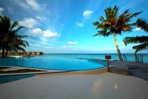 Turkoosin meren helmet: Malediivit