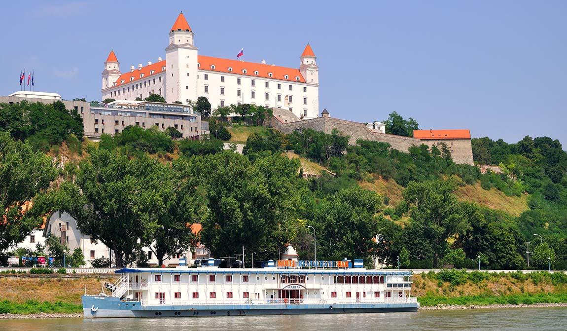 Slovakian Bratislava on halpa lomakohde