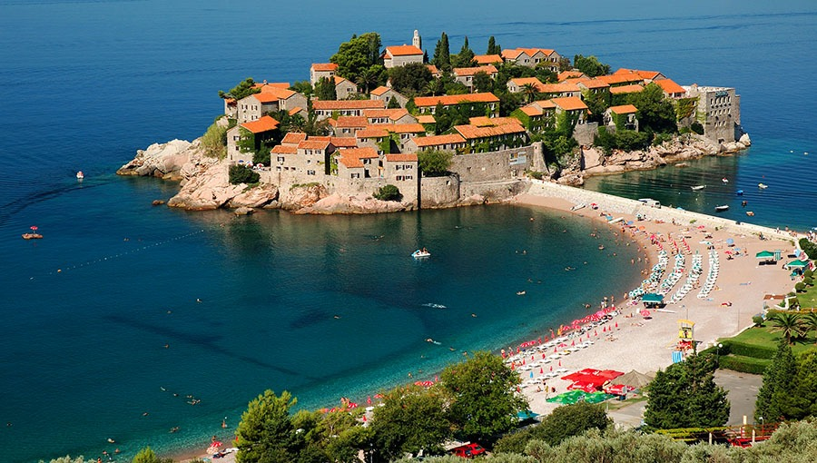 Matkat ja lennot Montenegroon suorin lennoin